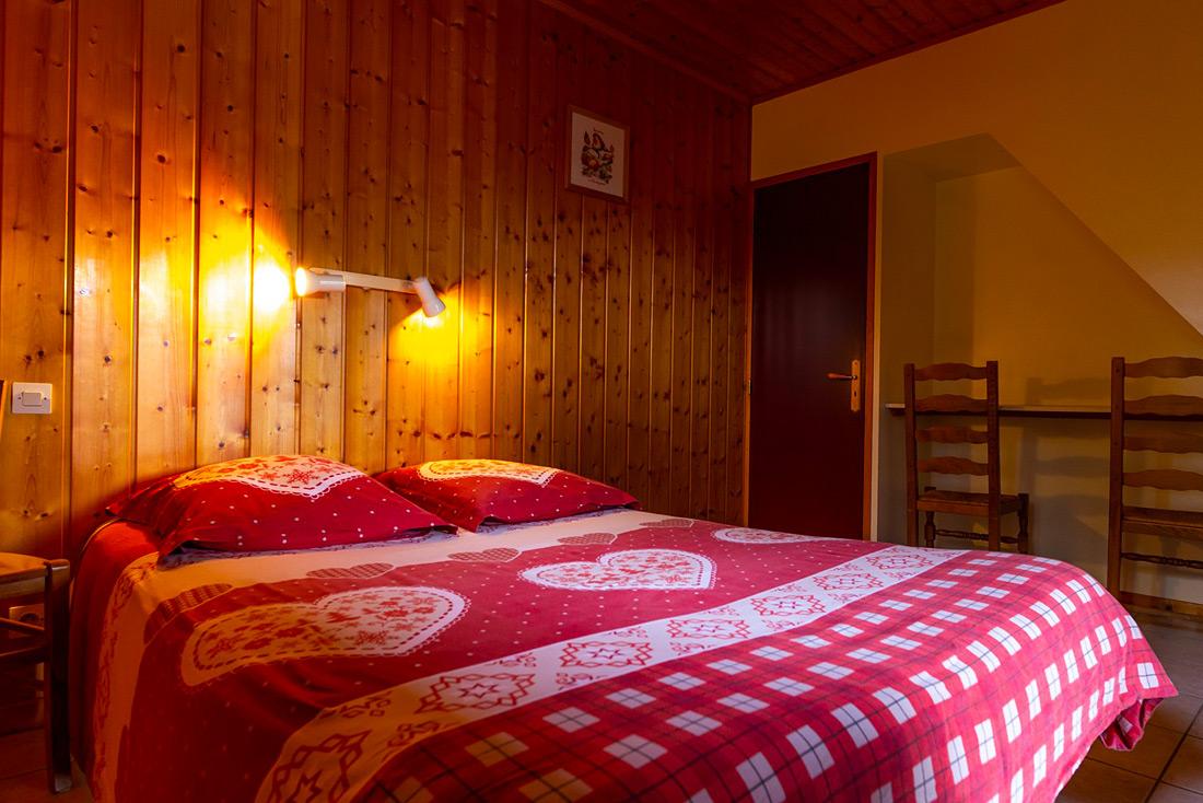 Chalet le Montagnard Nurit chambre double